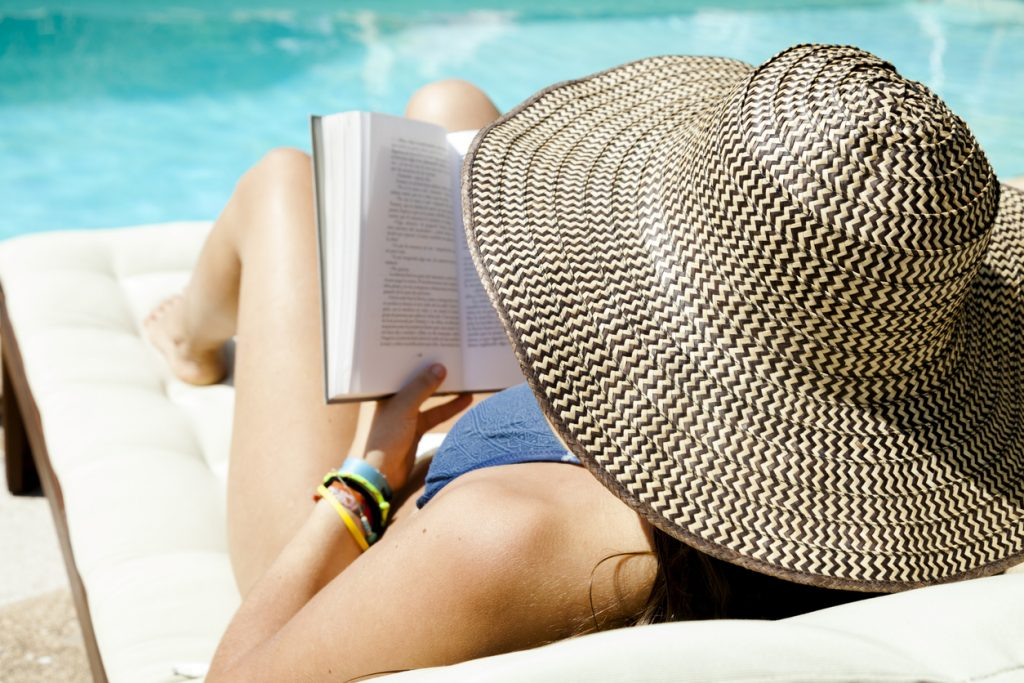 Clube do livro: 5 obras para ler na beira da piscina